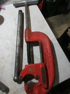 "Rigid model 4-s Heavy Duty 2""- 4"" Pipe Cutter w/ handle, used"