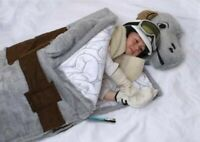 NEW IN ORIGNAL BOX Star Wars TaunTaun Sleeping Bag Thinkgeek 2009