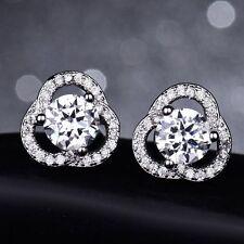 18K Oro Blanco Diamante Cluster pendientes con Pasador 334