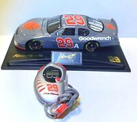Kevin Harvick 2005 Revell 1/24 #29 GM Goodwrench Test Car and Stopwatch NEW
