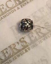 Pandora sterling silver Wavy Raised Fronds Leaves Oval Bead