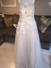 OLEG CASSINI WEDDING DRESS SIZE 16w