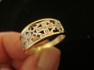 Beautiful,Finely Crafted 9CT Gold,12 Diamonds Set Medeival Inspired Pattern Ring