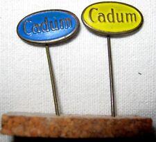 """"""" CADUM """" EPINGLETTES - 1 COULEUR BLEU ET 1 COULEUR JAUNE  """" MARQUE CADUM """"."""