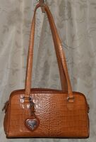 BRIGHTON CROCO STYLE LEATHER 3 SECTIONS ONE ZIPPED 2 END  2 BACK POCKETS HANDBAG
