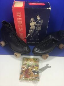 Vintage Chicago Roller Skate Co., Hyde, Black Leather, Size 14 W/wrench & Comic