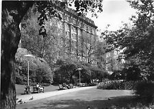 B89340 view from the embankment gardens of the savoy london  uk