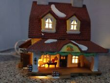 Department 56 - New England Village - Sleepy Hollow - Van Tassel Manor - Retired