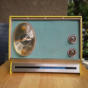 Vintage SEARS SILVERTONE AM Solid State Electric Alarm Clock RADIO