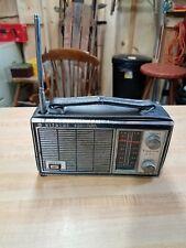 OLD Vintage Hitachi FM-AM 9 Transistor Radio