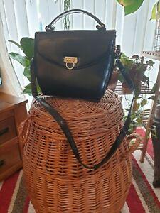 Women vintage black leather shoulder/cross body bag