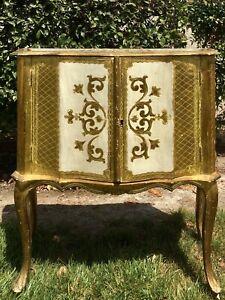Vintage Italian Wood Florentine Gold Gilt Accent Table/cabinet