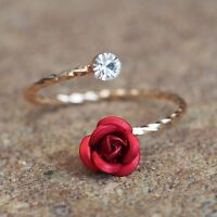 Neu ROSEN RING mit STRASSSTEIN Farbe rosegold/rot/klar ROSE Edel ZIERLICH