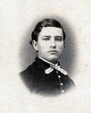 Young CIVIL WAR Soldier Vignette by J. EDWARDS, Skaneateles, NY 1860s CDV