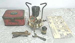 VINTAGE COMPLETE PRIMUS SWEDEN CAMP,CAMPING,HIKE PORTABLE STOVE,TIN FUEL CAN,BOX