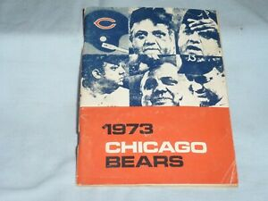 CHICAGO BEARS 1973 Media Guide YEARBOOK  Abe Gibron Cover  very good condition