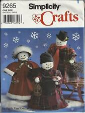 """Simplicity 9265 Sewing Pattern for 18"""" Snowmen & Clothes Christmas - uncut"""