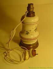 Lampe de table en porcelaine et laiton (ancienne lampe à pétrole) 18 cm