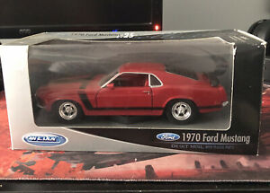 Welly 1:25 Collection 1970 Ford Mustang Diecast Metal With Plastic Parts