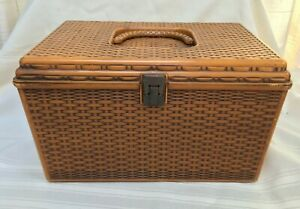 Wilson Wil-Hold Plastic Sewing Box w/Carrying Handle + 2 Removable Trays Vintage