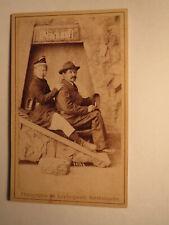Mann & Frau als Bergmann in Kulisse - Hut Lampe / CDV Salzbergwerk Berchtesgaden