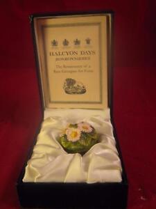 Beautiful Rare Halcyon Days Bonbonniere  Daisy Enamal Pill / Trinket Box