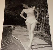 SUSAN HAYWARD /  BIKINI  PIN-UP  8 X 10  B&W  PHOTO