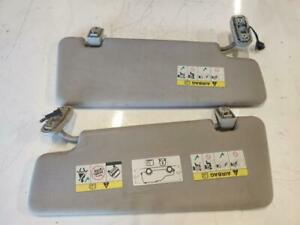 Land Rover Discovery 3 2.7 Tdv6 Drivers And Passengers Sun Visors Pair