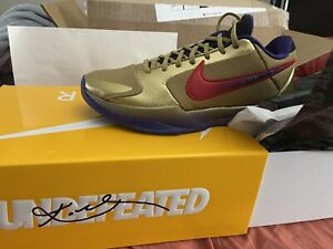 Kobe 5 V Protro Undefeated Hall of Fame Size 12 IN HAND