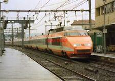 PHOTO  FRENCH TRAIN - TGV  AT AVIGNON