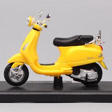 Diecast Toys motorcycle models 1/18 maisto 2013 Vespa LXV 150 scooter scale bike