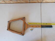 Lee Tennis Racket with Rack, Rack has a Crack *FREE SHIPPING*