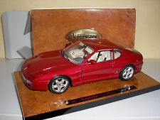 Ferrari 456 rot auf Wurzelholz Platte in 1:18 von Bburago