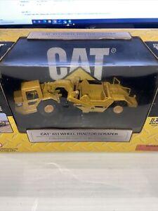 Norscot Caterpillar 611 Wheel Tractor Scraper 1/64 Die-Cast Scale New In Box