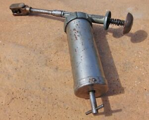 Classic LINCOLN Model 1016 Grease Gun Tool Vintage Made In USA