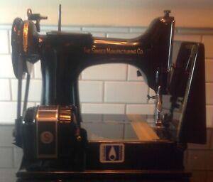 Vintage 1951 Singer Featherweight 221J Black Sewing Machine w/ Case Beautiful
