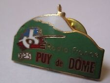 Pin's média / Radio France Puy de Dome 102.5 (EGF signé GF Groupe Fia)