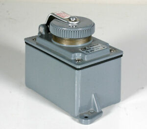 T&B Russellstoll 3743 Receptacle Cover