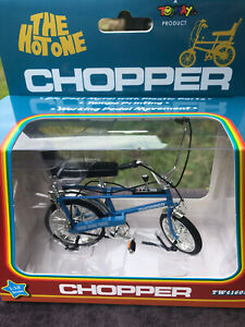 CHOPPER THE HOT ONE 1/12 SCALE BICYCLE BLUE NEW TOYWAY DIE CAST TAMPO BACHMANN