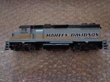 HARLEY DAVIDSON RAILROAD HO SCALE GP38-2 DIESEL LOCOMOTIVE