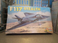 MODEL AIRCRAFT FIGHTER F117 A STEALTH  SEALED 1/72 SCALE