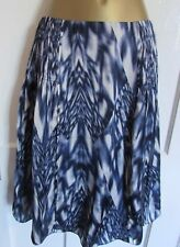 DEBENHAMS BETTY JACKSON LADIES BLUE & WHITE SILKY SUMMER SKIRT SIZE 8 LINED