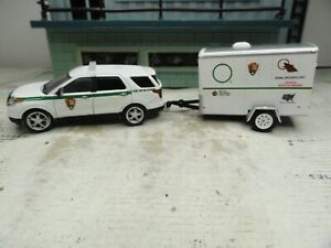 GREENLIGHT POLICE FORD U.S. PARK RANGER LAW ENFORCEMENT WITH TRAILER CUSTOM UNIT