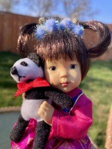 Dianna Effner Sculpt Blossom for Ashton Drake Panda Bear Hands Around World