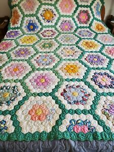 VINTAGE Quilt Hand sewn Octagon Flower Scalloped Edge 65 in x 80 in