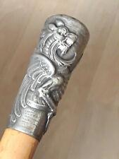 """Canne """"Milord"""" ancienne, Pommeau en Argent massif décoré d'un Griffon, chiffré"""