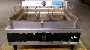 1 used Star model 530FF 2 Basket Table Top Electric Fryer on Legs