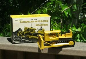 Early Ertl Eska Caterpillar D6 Dozer Bulldozer Tractor w/ Box