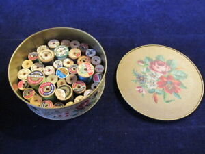 39 Vtg Cotton Sewing Thread Wood on Spools Colorful Lot in Metal Tin D11