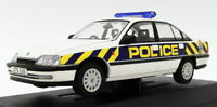 Vanguards 1/43 Scale VA14005 - Vauxhall Carlton 2.6Li - W.Mercia Polic
